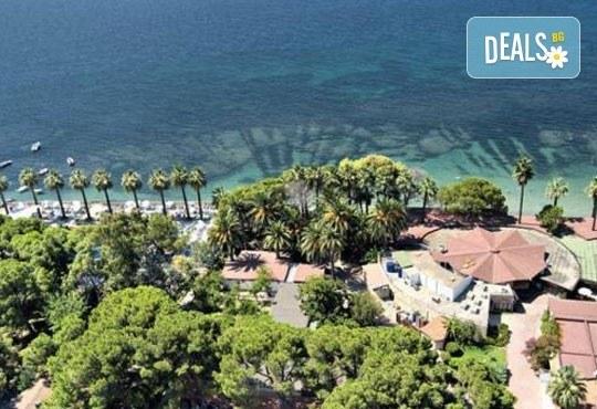 На море през юни в Кушадасъ! 7 нощувки на база All Inclusive в Omer Holiday Resort 4* и възможност за транспорт, от ТА Джуанна! - Снимка 17