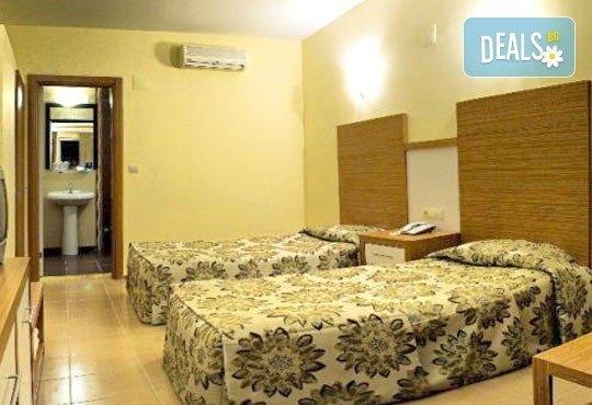 На море през юни в Кушадасъ! 7 нощувки на база All Inclusive в Omer Holiday Resort 4* и възможност за транспорт, от ТА Джуанна! - Снимка 4