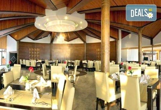 На море през юни в Кушадасъ! 7 нощувки на база All Inclusive в Omer Holiday Resort 4* и възможност за транспорт, от ТА Джуанна! - Снимка 9