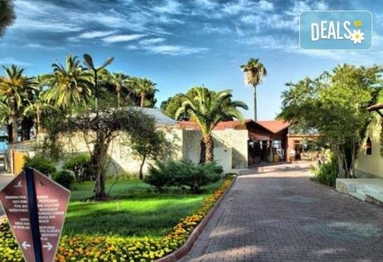 На море през юни в Кушадасъ! 7 нощувки на база All Inclusive в Omer Holiday Resort 4* и възможност за транспорт, от ТА Джуанна! - Снимка 1