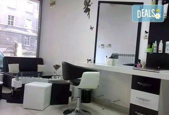 Боядисване с Ваша боя, подстригване, възстановяваща ампула, маска и оформяне на косата в салон Визия и стил, Пловдив - Снимка 6