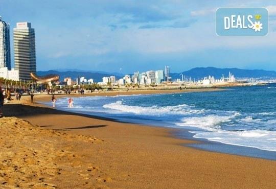 Самолетна екскурзия до слънчевата Барселона, през юли, с Лале Тур! 3 нощувки със закуски, самолетен билет и летищни такси! - Снимка 9