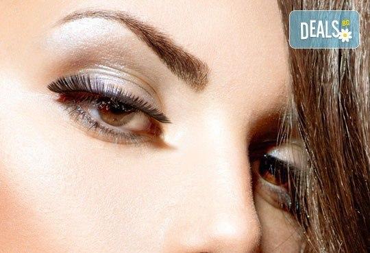 Приковаващ поглед! Удължаване и сгъстяване на мигли по метода ''косъм по косъм'' с косми от норка от NSB Beauty Center! - Снимка 1