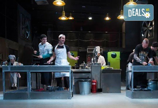 Култов спектакъл на сцената на Младежки театър! Гледайте Кухнята на 09.06. от 19.00ч, голяма сцена, билет за двама - Снимка 5