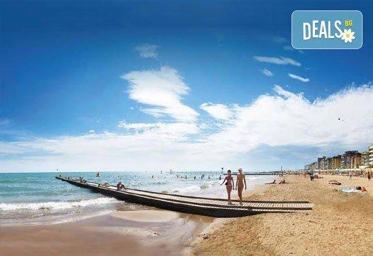Лятна почивка във Венеция, Лидо ди Йезоло - 8 дни, 6 нощувки със закуски и вечери в хотел 3* и транспорт, от Теско Груп! - Снимка 2