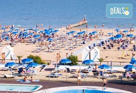 Лятна почивка във Венеция, Лидо ди Йезоло - 8 дни, 6 нощувки със закуски и вечери в хотел 3* и транспорт, от Теско Груп! - Снимка 14