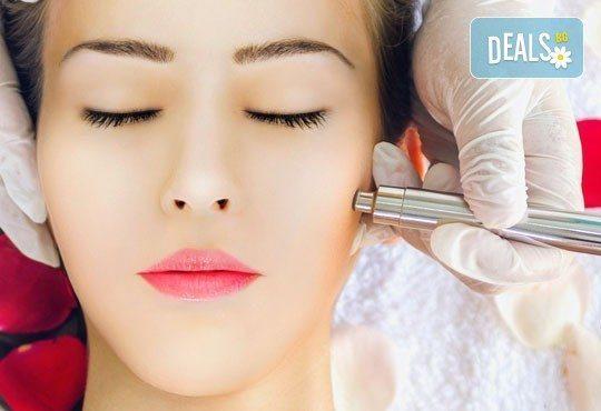 Ултразвуково почистване на лице, комбинирано с дарсонвал и терапия Свежа кожа- безиглена мезотерапия с гел с хиалурон в салон Емоция! - Снимка 1