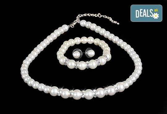 Изненадайте любимата с луксозен комплект обеци, гривна и колие с перли и висококачествен цирконий от Present For You! - Снимка 1