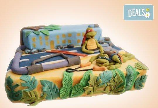 Сбъднати детски мечти! Детска 3D торта с фигурална ръчно изработена декорация от Сладкарница Джорджо Джани - Снимка 16