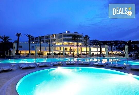 Почивка в Бодрум - бялата перла на Турция! 7 нощувки, All Inclusive в Hotel Baia Bodrum 5*, възможност за транспорт! Дете до 11 години безплатно! - Снимка 8