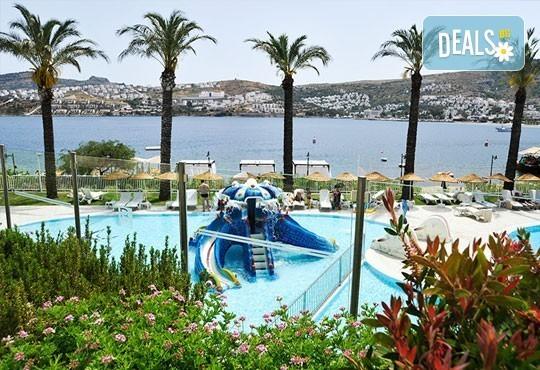 Почивка в Бодрум - бялата перла на Турция! 7 нощувки, All Inclusive в Hotel Baia Bodrum 5*, възможност за транспорт! Дете до 11 години безплатно! - Снимка 10