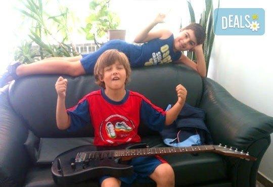 Едноседмична занималня математиката вече е лесна и царството на китарите от Mathtalent! - Снимка 8