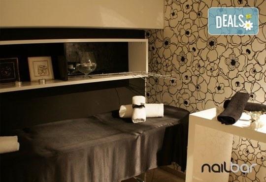 Копринени мигли! Удължаване и сгъстяване на мигли чрез метода косъм по косъм в салон Nail Bar! - Снимка 4