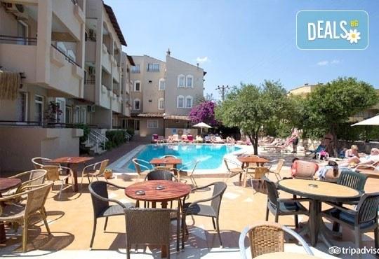 Почивка в Мармарис през юни, с Джуанна Травел! 7 нощувки на база All inclusive в Clè Resort Hotel 4*, възможност за транспорт! - Снимка 7