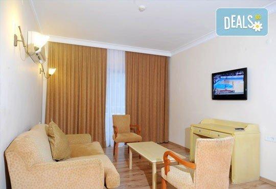 Почивка в Мармарис през юни, с Джуанна Травел! 7 нощувки на база All inclusive в Clè Resort Hotel 4*, възможност за транспорт! - Снимка 6