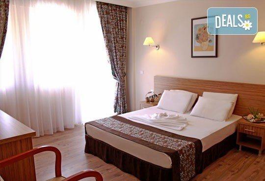 Почивка в Мармарис през юни, с Джуанна Травел! 7 нощувки на база All inclusive в Clè Resort Hotel 4*, възможност за транспорт! - Снимка 4
