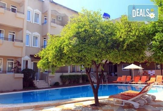 Почивка в Мармарис през юни, с Джуанна Травел! 7 нощувки на база All inclusive в Clè Resort Hotel 4*, възможност за транспорт! - Снимка 12