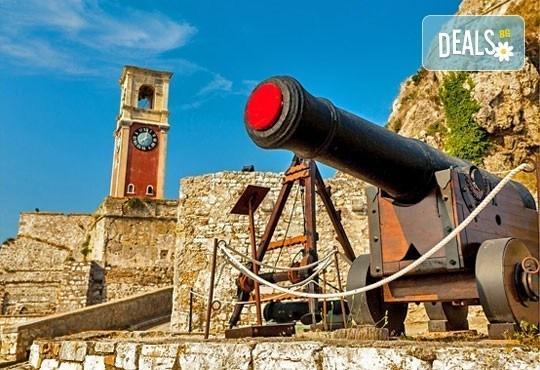 Почивка през октомври на красивия остров Корфу в Гърция! 4 нощувки със закуски и вечери и транспорт! - Снимка 3