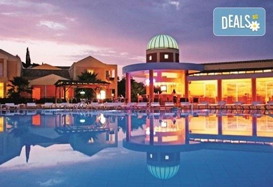 Почивка през октомври на красивия остров Корфу в Гърция! 4 нощувки със закуски и вечери и транспорт! - Снимка 7
