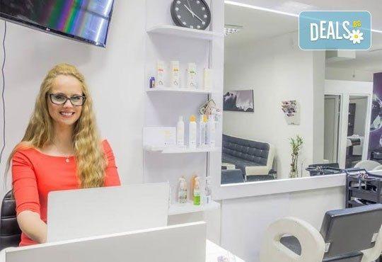 Нова технология за здрава коса! Луксозна терапия Omniplex, измиване и оформяне със сешоар в Салон Nails Club до Бизнес парк Младост! - Снимка 9