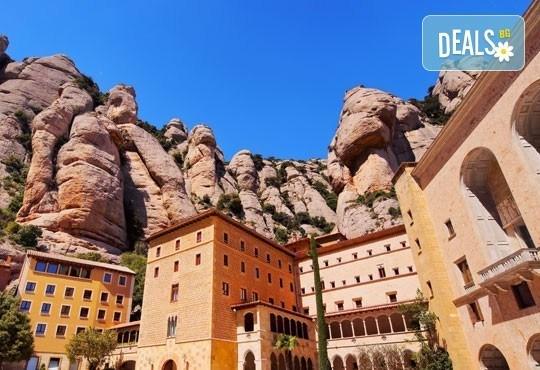 Екскурзия до Барселона и Лазурния бряг през октомври! 7 нощувки със закуски, самолетен билет, такси, трансфери и транспорт с автобус 4*! - Снимка 3