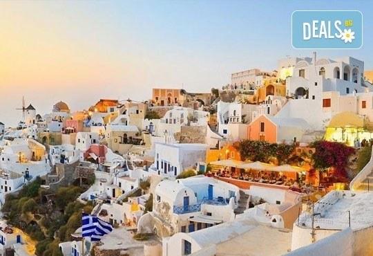 Септемврийски празници на о. Санторини, Гърция! 4 нощувки със закуски в хотел 3*, транспорт и програма, от Дари Травeл! - Снимка 7