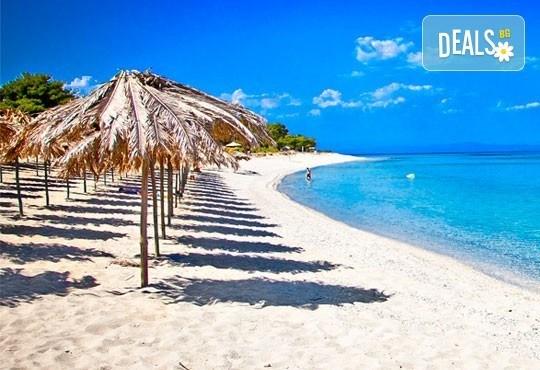 За един ден през юни на плаж в Неа Перамос и Аммолофи, Гърция! Транспорт и екскурзоводско обслужване от Глобул Турс! - Снимка 1