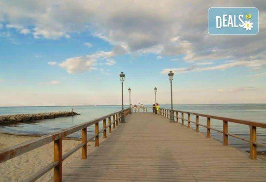 Почивка в Катерини- Паралия, през септември, с Амадеус 7! 7 дни, 6 нощувки със закуски и вечери, транспорт, екскурзия до Метеора и Солун! - Снимка 3