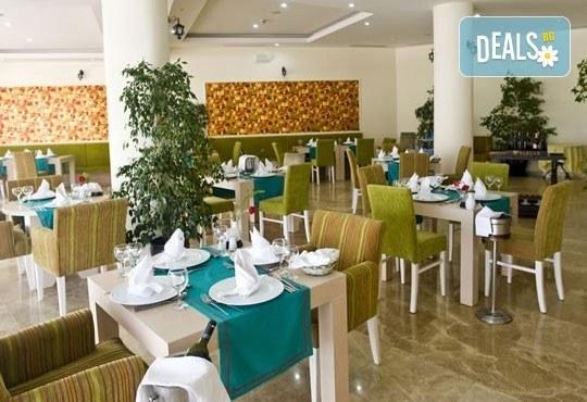 Почивка със самолет в Анталия през юли! 7 нощувки, Ultra All Inclusive в хотел Euphoria Palm Beach Resort 5*, Сиде, двупосочен билет, летищни такси и трансфери - Снимка 4