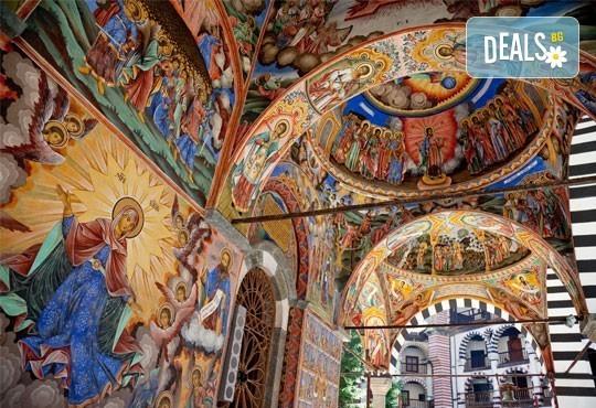 Разходете се през юли и август в Рилски манастир, Рупите и Мелник! 1 нощувка със закуска, транспорт и екскурзовод! - Снимка 3