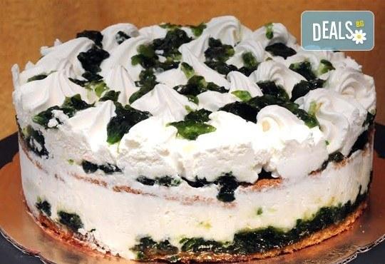 Обичате ли сладолед? Вземете неустоимо вкусна сладоледена торта със свежи плодове от сладкарница Лагуна! - Снимка 3