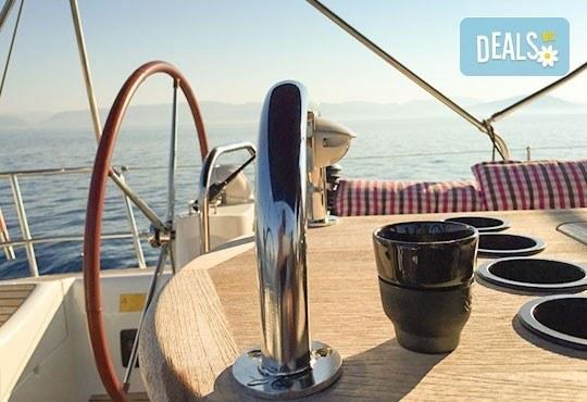 Плати един лев и вземи 20% отстъпка за наем на яхта JEANNEAU Sun Odyssey 50 DS Sunra Del Mare, за една седмица, регион Лефкада, Йонийско море, от MJcharter! - Снимка 3