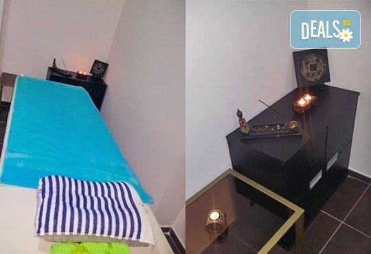 Арома педикюр с ароматни соли, пилинг, масаж на ходилата и декорации в Салон за красота Карибите - Снимка 3