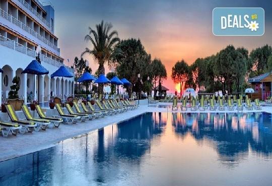 Last minute! All Inclusive почивка през юни в Batihan Beach Resort 4*+, Кушадасъ! 7 нощувки, възможност за транспорт, от Вени Травел! - Снимка 2