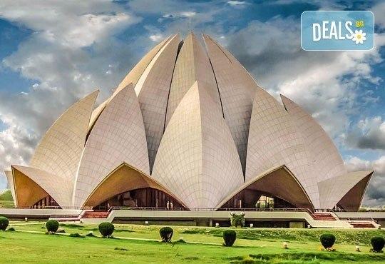 Самолетна екскурзия до Златният триъгълник - Индия, с Лале Тур! 5 нощувки 4*, със закуски и вечери, включени екскурзии, билет с летищни такси, трансфери - Снимка 6