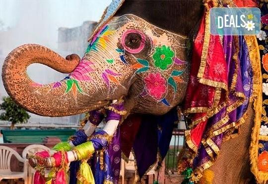 Самолетна екскурзия до Златният триъгълник - Индия, с Лале Тур! 5 нощувки 4*, със закуски и вечери, включени екскурзии, билет с летищни такси, трансфери - Снимка 3