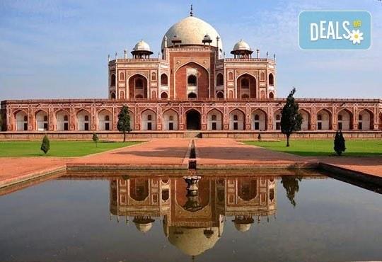 Самолетна екскурзия до Златният триъгълник - Индия, с Лале Тур! 5 нощувки 4*, със закуски и вечери, включени екскурзии, билет с летищни такси, трансфери - Снимка 5