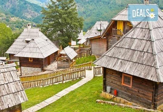 Екскурзия през юли до Сараево, Вишеград, Каменград и Мостар: 2 нощувки със закуски, транспорт и екскурзовод! - Снимка 4