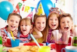 Детски рожден ден за 10 деца, меню, украса и подарък, бистро Папи