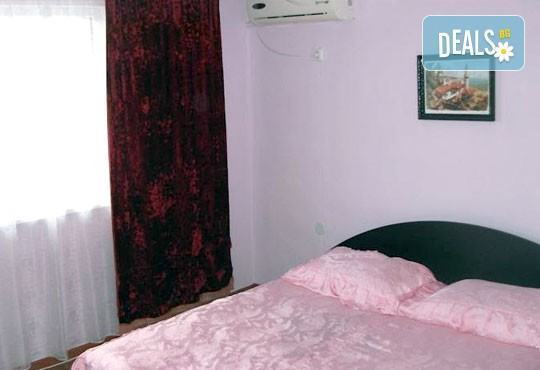 Август и септември на почивка в еко къща за гости Ревери, с. Църква, Балчик ! 2/5 нощувки или наем на вилата, безплатно за деца до 3 г.! - Снимка 4