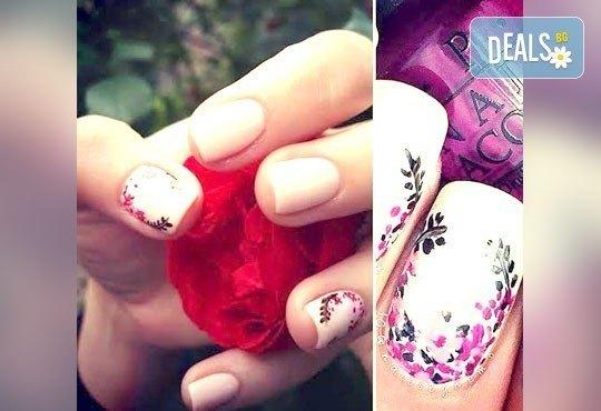 Подарете на ръцете си красота и цвят с класически маникюр с CND Creative play или S.N.B., 2 декорации по избор в салон RalNails! - Снимка 6