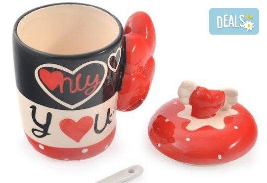 Засвидетелствайте Вашата любов! Подарете комплект от 2 броя керамични чаши с капаче и лъжичка - Love от Gift Express! - Снимка 5