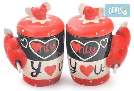 Засвидетелствайте Вашата любов! Подарете комплект от 2 броя керамични чаши с капаче и лъжичка - Love от Gift Express! - Снимка 4
