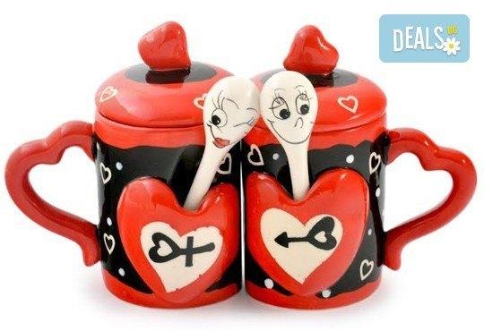 Засвидетелствайте Вашата любов! Подарете комплект от 2 броя керамични чаши с капаче и лъжичка - Love от Gift Express! - Снимка 6
