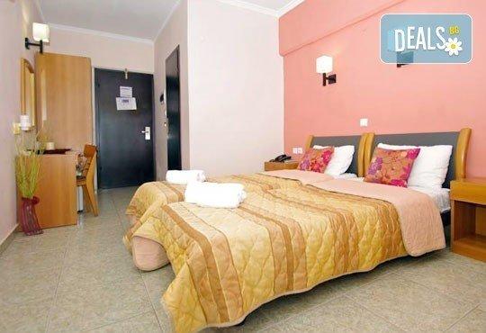 Почивка през юли и август в Паралия Катерини, Гърция! 6 дни, 5 нощувки със закуски в хотел Olympus 3* и транспорт, от Теско Груп! - Снимка 4