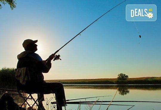 Хвърлете въдиците! Три посещения за един човек с по една въдица от Спортен риболов Требич! - Снимка 1