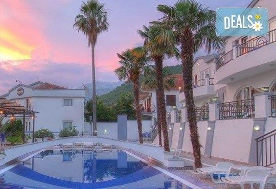 Почивка в Черна гора през септември! 7 нощувки със закуски и вечери в Hotel Xanadu 4*, транспорт и водач от Дари Тур! - Снимка 2