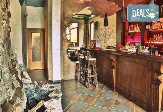 Незабравимо лято в семеен хотел Магнолия Гардън, Слънчев бряг! 1 нощувка в едностаен или двустаен апартамент, позлване на басейн и шезлонг! - Снимка 14