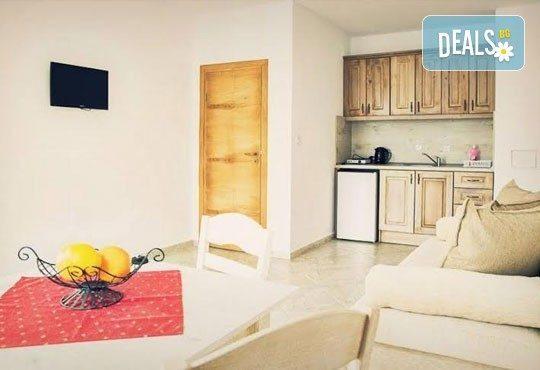 Незабравимо лято в семеен хотел Магнолия Гардън, Слънчев бряг! 1 нощувка в едностаен или двустаен апартамент, позлване на басейн и шезлонг! - Снимка 10