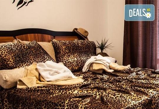 Почивка в семеен хотел Магнолия Гардън, Слънчев бряг! Една нощувка в едностаен или двустаен апартамент и безплатно ползване на басейн и шезлонг - Снимка 7